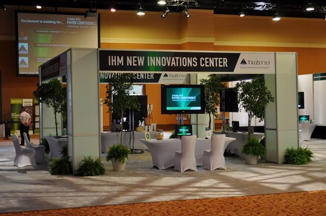 Four ways to refresh your trade show booth design